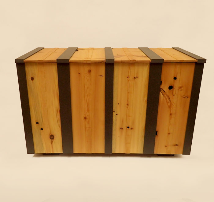 Douglas fir and valchromat chest