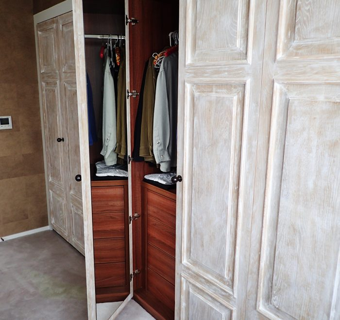 Distressed oak panelled wardrobe doors mirror