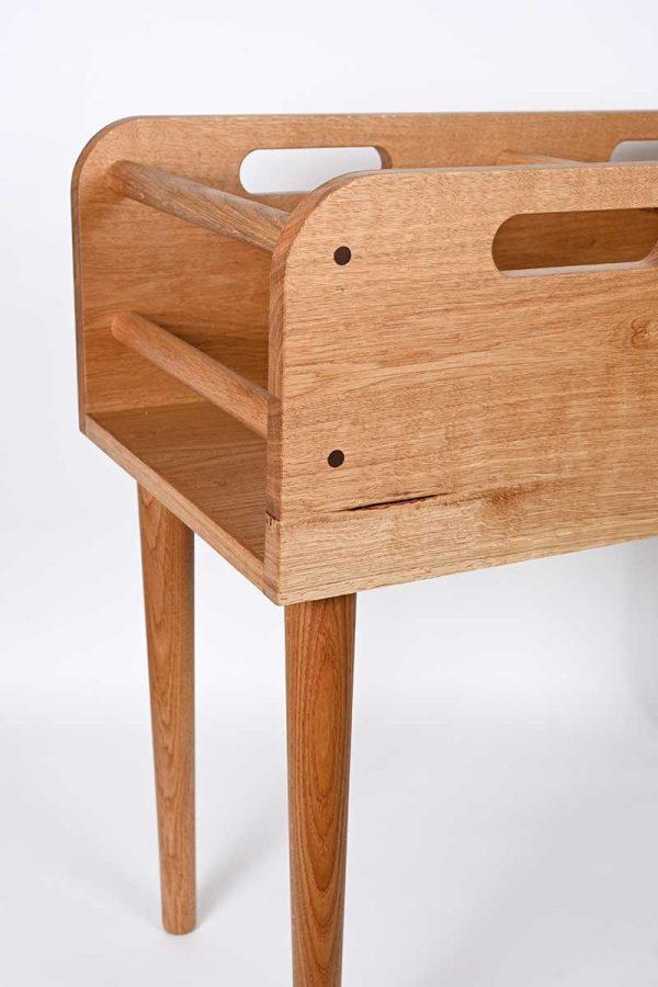 Record horse - stylish oak vinyl storage